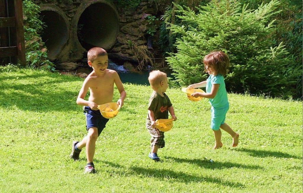 niños_jugando_verano