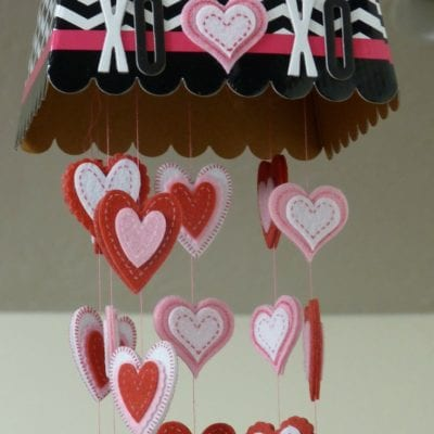 "DIY Valentine ""Mistletoe"" for Extra Hugs & Kisses"
