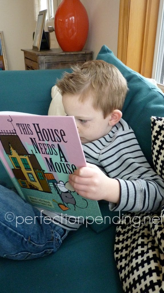 This House Needs a Mouse Book Review by Perfectionpending.net. The perfect book for young readers.