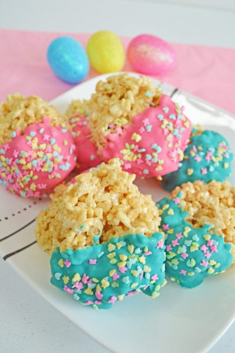 Super easy easter egg rice krispie treats perfection pending i think it would be so much fun to make these as neighbor gifts or to make them to eat on easter morning since we dont have enough candy as it is negle Images