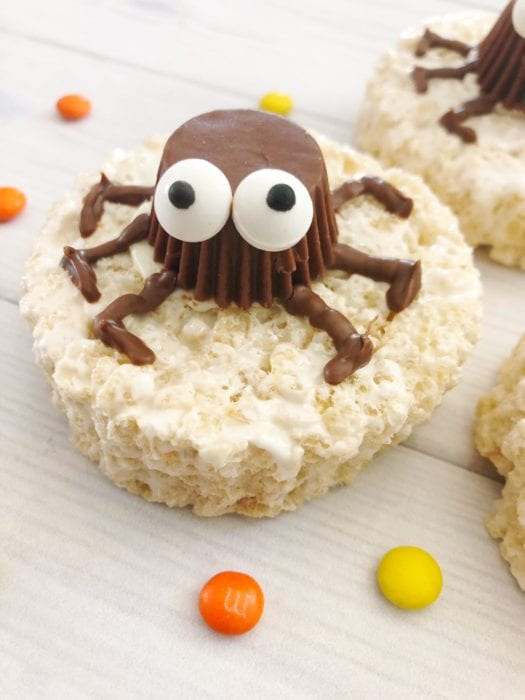 these easy spider rice krispie treats made with reeses peanut butter cups are the perfect non